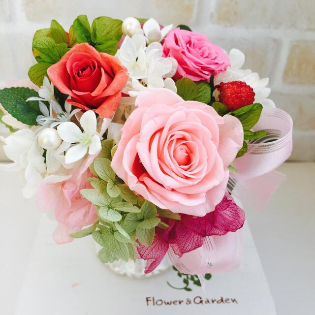 フンワリ華やかピンクのバラのプリザーブドフラワー(*^^*) ハンドメイドのフラワー/ガーデン(プリザーブドフラワー)の商品写真