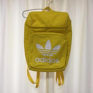 アディダス(adidas)のアディダスリュックイエロー(リュック/バックパック)