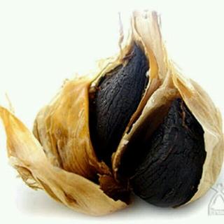 国産黒にんにく6玉 食品/飲料/酒の食品(フルーツ)の商品写真