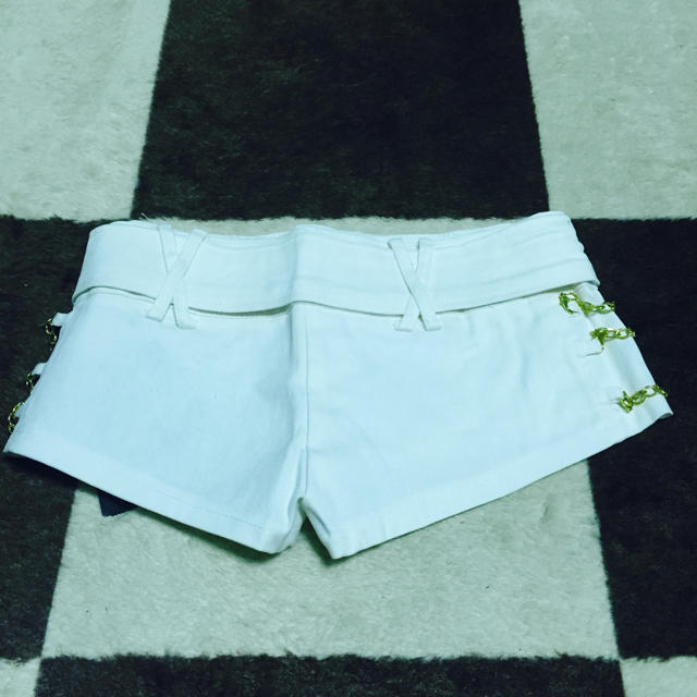 最終値下げ❣️新品✨d.i.a好き❤️白×金チェーン♡ベルト付きショーパンS レディースのパンツ(ショートパンツ)の商品写真
