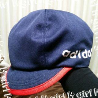 アディダス(adidas)のアディダスのリバーシブルの帽子(キャスケット)