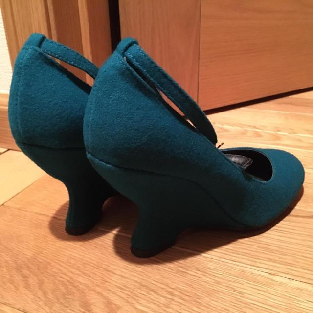 フェルト素材ウェッジパンプスグリーン新品同様 レディースの靴/シューズ(ハイヒール/パンプス)の商品写真