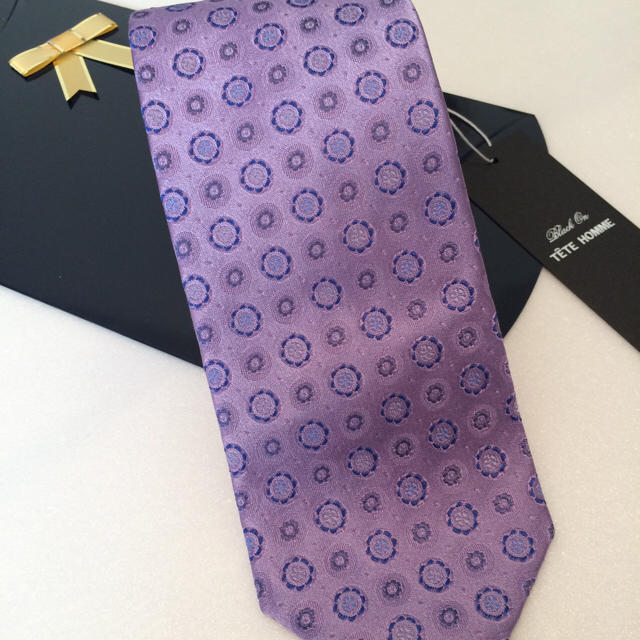 TETE HOMME(テットオム)の新品!テットオム シルクネクタイ パープル系 メンズのファッション小物(ネクタイ)の商品写真