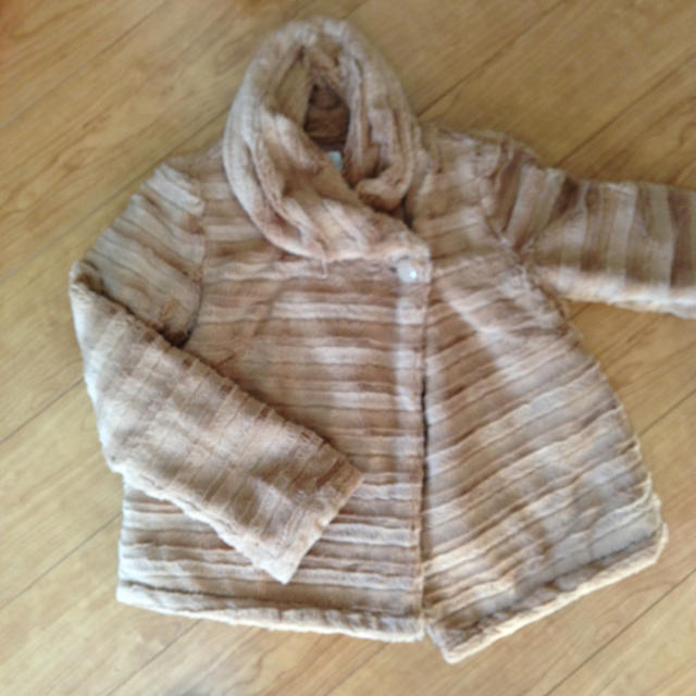 grove(グローブ)のgrove フェイクファーコート レディースのジャケット/アウター(毛皮/ファーコート)の商品写真