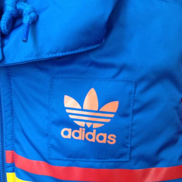 adidas(アディダス)のダウンベスト レディースのジャケット/アウター(ダウンベスト)の商品写真