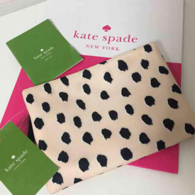 kate spade new york(ケイトスペードニューヨーク)のお値下げ‼️ケイトスペード ポーチ 新品未使用 レディースのファッション小物(ポーチ)の商品写真