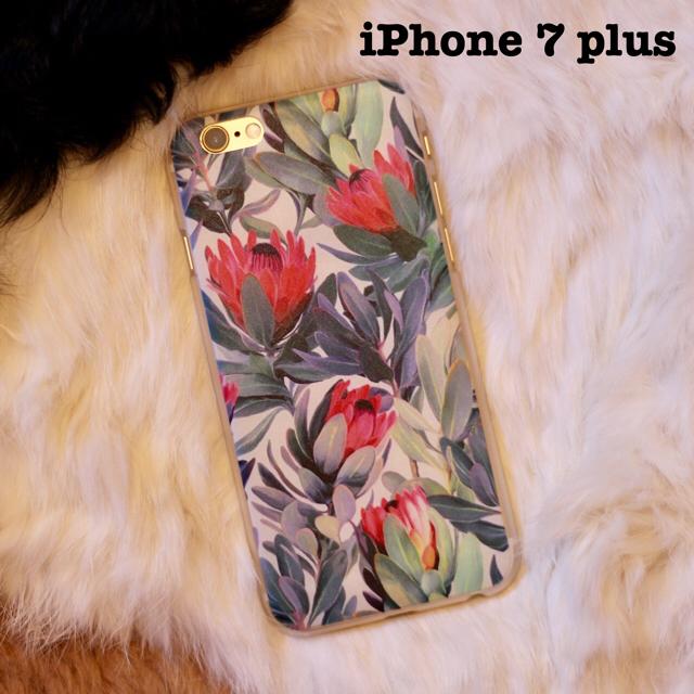 送料込•新品•iPhone 7 plus ケース ボヘミアンフラワーの通販 by denymeanddoomed|ラクマ
