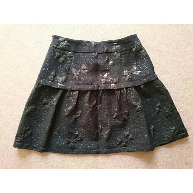 Chesty(チェスティ)の【cocorin様専用】美品!chestyチェスティ☆リボン柄スカート(黒) レディースのスカート(ミニスカート)の商品写真