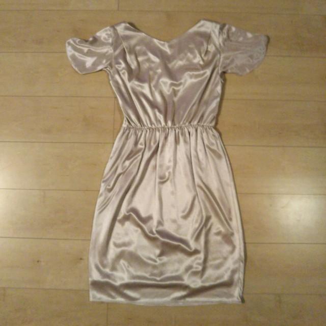パーティードレス ピンクベージュ  レディースのフォーマル/ドレス(ミディアムドレス)の商品写真