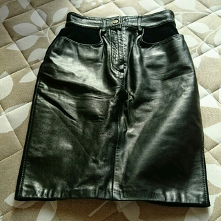 モスキーノ(MOSCHINO)のMOSCHINO レザー&ベロア スカート (ひざ丈スカート)