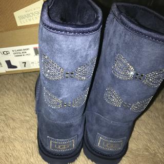 アグ(UGG)のugg US7 新品 正規品 ブルー スワロフスキー クリスタル ボウ ブーツ(ブーツ)