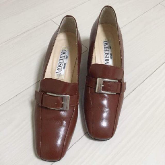 MOSCHINO(モスキーノ)の本日限定タイムセール 新品同様!モスキーノ 23.5 ブラウン パンプス 革 レディースの靴/シューズ(ハイヒール/パンプス)の商品写真