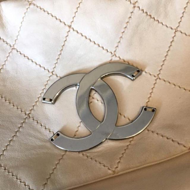 CHANEL(シャネル)の【正規品】シャネル シルバーチェーン バッグ レディースのバッグ(ハンドバッグ)の商品写真