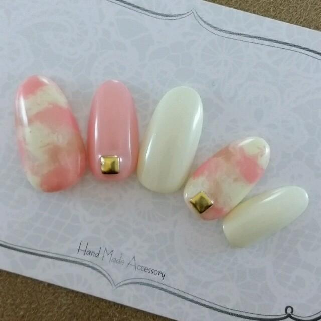 ピンク×アイボリージェルネイルチップ ハンドメイドのアクセサリー(ネイルチップ)の商品写真