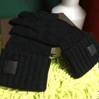 ルイヴィトン(LOUIS VUITTON)の★美品★LOUIS VUITTON カシミヤ手袋(手袋)