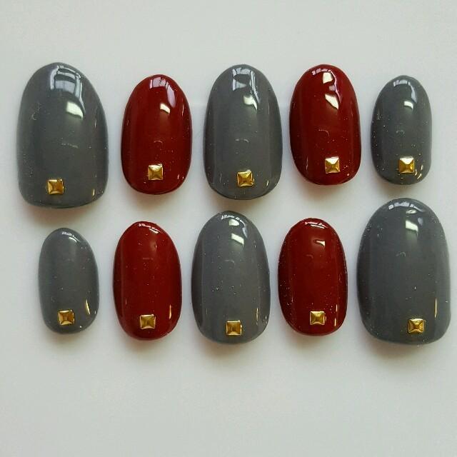 ネイルチップ♡ボルドー×ダークグレー ハンドメイドのアクセサリー(ネイルチップ)の商品写真