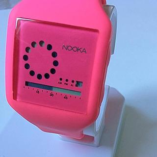 ヌーカ(NOOKA)の☆美品☆ NOOKA 個性的な腕時計 ほぼ未使用(腕時計)