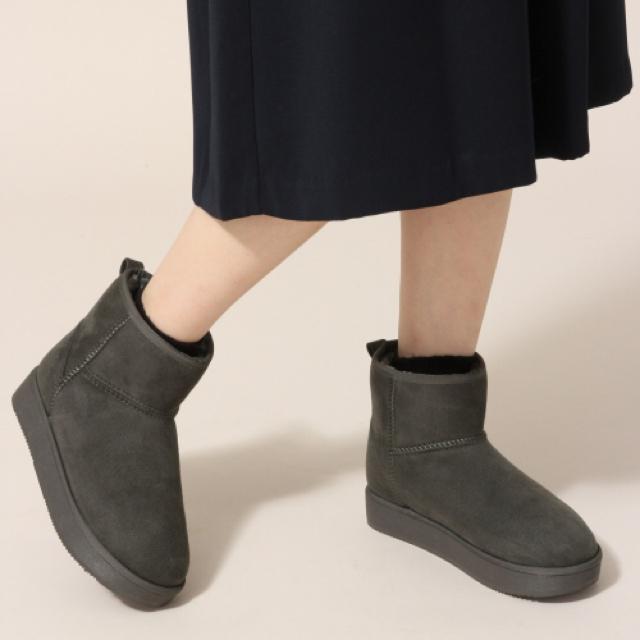 LOWRYS FARM(ローリーズファーム)の新品 M ローリーズファーム 厚底ムートン グレー レディースの靴/シューズ(ブーツ)の商品写真