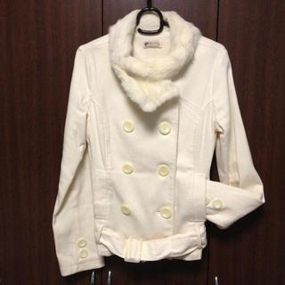 リズリサ(LIZ LISA)の再値下げ❤リズショートオフ白コート❤(ライダースジャケット)