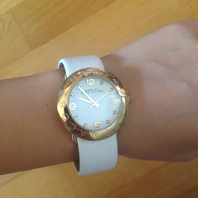 MARC BY MARC JACOBS(マークバイマークジェイコブス)のマークバイマークジェイコブス  腕時計  白 レディースのファッション小物(腕時計)の商品写真