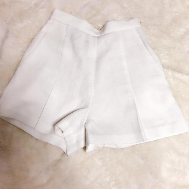 rienda(リエンダ)のリエンダ ホワイトショートパンツ レディースのパンツ(ショートパンツ)の商品写真