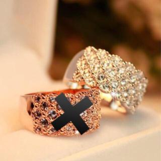 ホワイトゴールド・リング(リング(指輪))
