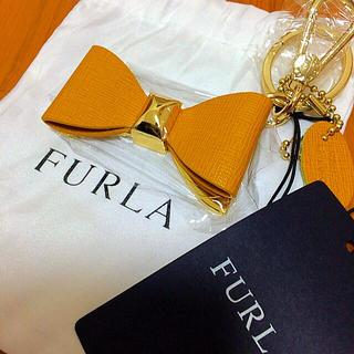 フルラ(Furla)のフルラ大人気♡リボンチャーム♡新色♡キーリング♡ハンドバックに♪プレゼントにも♪(キーホルダー)