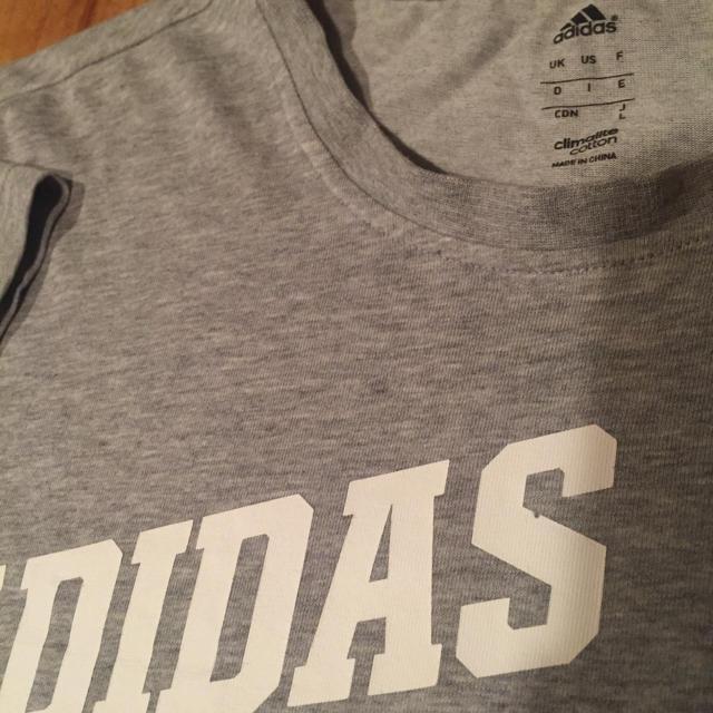adidas(アディダス)のアディダス adidas Tシャツ メンズのトップス(Tシャツ/カットソー(半袖/袖なし))の商品写真