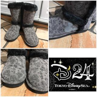 ディズニー(Disney)の送料込み☆D24ディズニー総柄ムートン風ブーツ(ブーツ)
