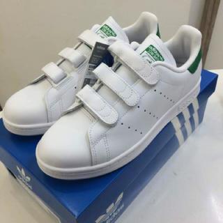 アディダス(adidas)のやーちん様❤️24.5㎝❤️アディダス スタンスミス ベルクロ❤️グリーン(スニーカー)
