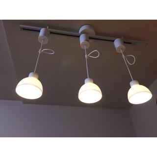 ムジルシリョウヒン(MUJI (無印良品))の【みっく様専用】無印良品 LED 磁器シェードペンダントライト 小 3連(天井照明)