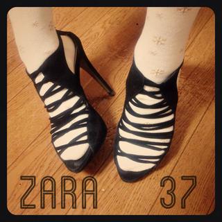 ザラ(ZARA)のZARAグラディエーターサンダル37黒(サンダル)