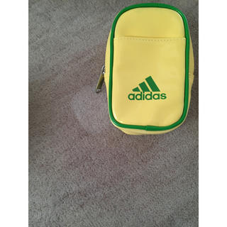 アディダス(adidas)のadidas ミニウエストポーチ 新品未使用品(ボディバッグ/ウエストポーチ)
