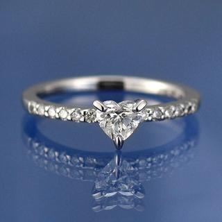 新品☆ハートシェイプダイヤモンドリング(リング(指輪))