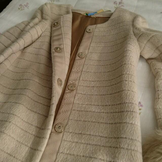 NOLLEY'S(ノーリーズ)のノーリーズ ファーコート ベージュ 36サイズ レディースのジャケット/アウター(毛皮/ファーコート)の商品写真