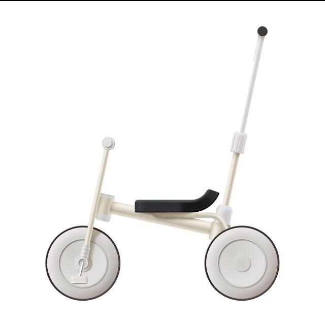 息子は無印の三輪車がお気に入り