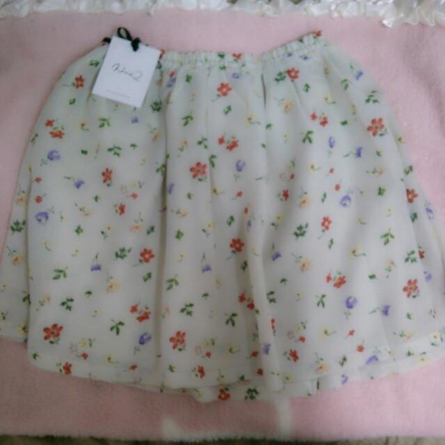 Nina mew(ニーナミュウ)のnina mew スカート レディースのスカート(ミニスカート)の商品写真