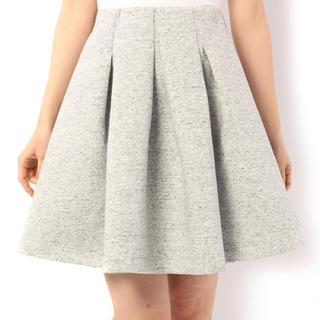 ミスティウーマン(mysty woman)のタックフレアスカート*最終値下げ(ひざ丈スカート)