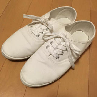 ジーユー(GU)の白スニーカー☆GU(スニーカー)