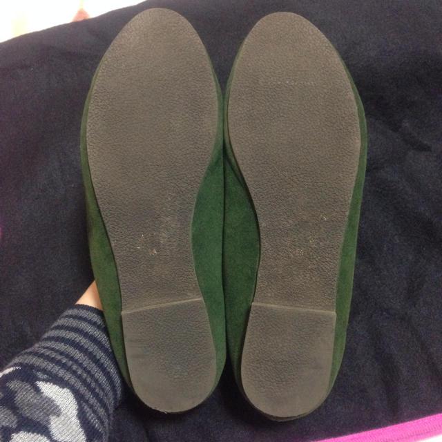 shuca(シュカ)のグリーンぺったんこパンプス レディースの靴/シューズ(ハイヒール/パンプス)の商品写真