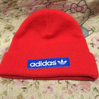 アディダス(adidas)のアディダス ニット帽 赤(ニット帽/ビーニー)