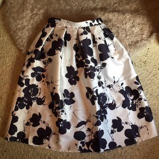 ロキエ(Lochie)のlochie購入♡花柄スカート(ひざ丈スカート)