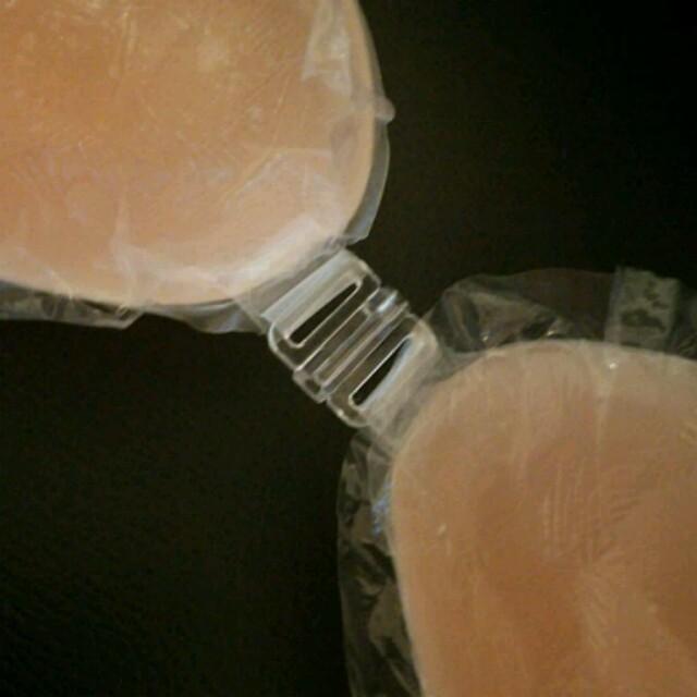 Aカップ 盛れるヌーブラ 防水なのでビキニ水着に レディースの下着/アンダーウェア(ヌーブラ)の商品写真