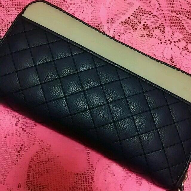 ネイビーキルティング長財布 レディースのファッション小物(財布)の商品写真
