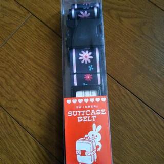 スイマー(SWIMMER)の【新品未使用】スーツケースベルト 黒 花柄 SWIMMER (スーツケース/キャリーバッグ)