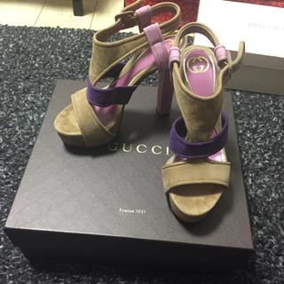 グッチ(Gucci)のGUCCI グッチ スエードサンダル マルチカラー(サンダル)