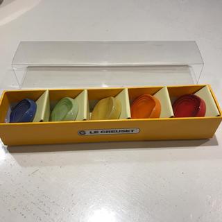 ルクルーゼ(LE CREUSET)の新品・未使用 ルクルーゼ チョップスティック・レスト 箸置き 5個入り 1箱(カトラリー/箸)
