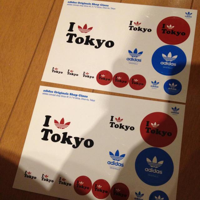 adidas(アディダス)のadidas I♡tokyo ステッカー インテリア/住まい/日用品の文房具(その他)の商品写真