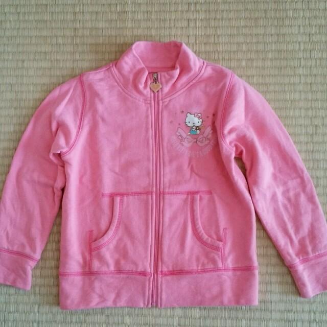 サンリオ(サンリオ)のキティちゃん パーカー 100 キッズ/ベビー/マタニティのキッズ服 女の子用(90cm~)(ジャケット/上着)の商品写真