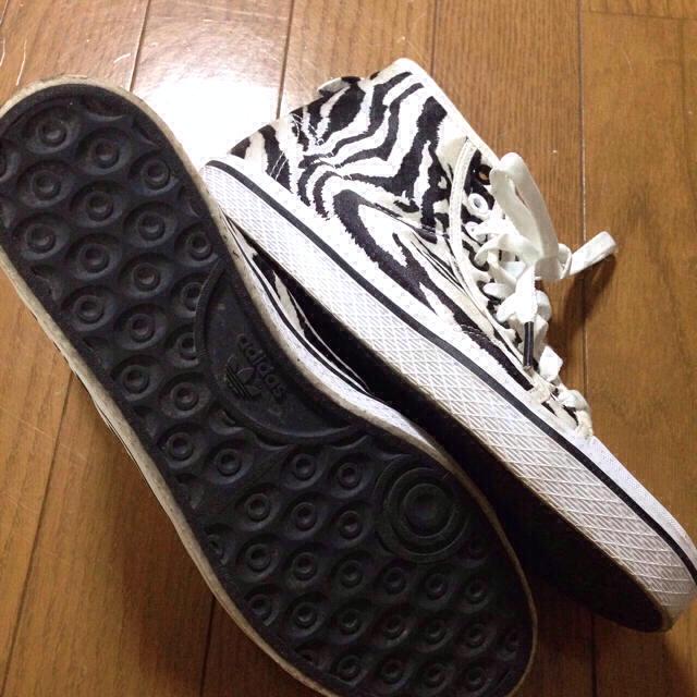 adidas(アディダス)の専用☆ゼブラ柄adidasスニーカー レディースの靴/シューズ(スニーカー)の商品写真